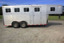 #00175 - Used 1995 Sooner 3HGN 3 Horse Trailer  with 4' Short Wall