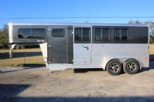 #B3495 - New 2016 Sundowner SS3HGN 3 Horse Trailer  with 2' Short Wall