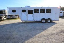 #05541 - Used 2002 Horton  4 Horse Trailer  with 4' Short Wall