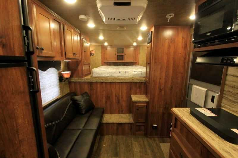 Used 2016 Bison 3 Horse Trailer with Living Quarters