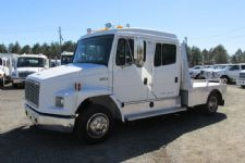 #06989 - Used 2000 Freightliner FL60 Truck