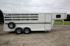 #77319 - New 2016 Bee 4HGNSL 4 Horse Trailer  with 2' Short Wall