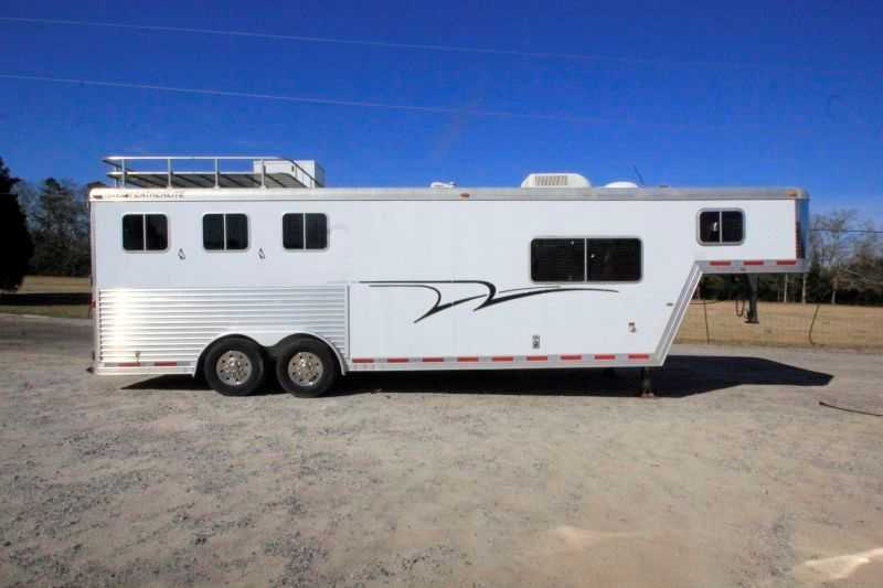 #54869 - Used 2002 Featherlite 8310LQ 3 Horse Trailer with 10' Short Wall