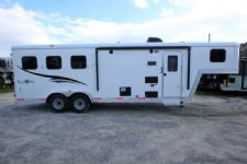 #06322 - New 2016 Bison Trail Boss 7308LQ 3 Horse Trailer  with 8' Short Wall