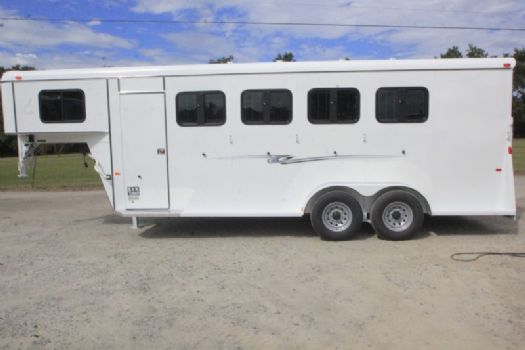 #77421 - New 2017 Bee 4HSLGNDLX 4 Horse Trailer  with 4' Short Wall