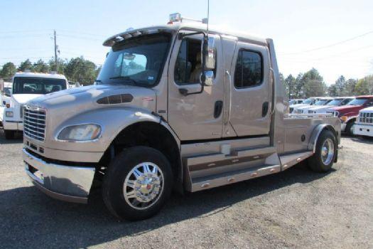 #17218 - Used 2007 Freightliner Sport M2 106 Truck