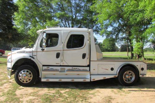 #35236 - Used 2007 Freightliner Sport M2 106 Truck