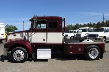 #27854 - Used 2004 Peterbilt 330 Truck