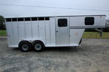 #18136 - Used 2007 Classic 7304 3 Horse Trailer  with 2' Short Wall