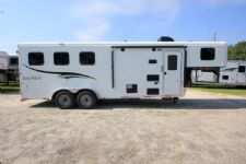 #06489 - New 2017 Bison Trail Hand 7306LQ S 3 Horse Trailer  with 6' Short Wall
