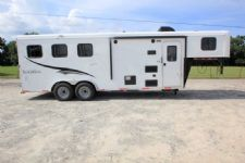 #06490 - New 2017 Bison Trail Hand 7306LQ S 3 Horse Trailer  with 6' Short Wall