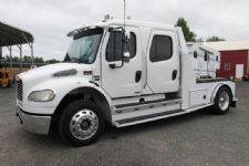 #06075 - Used 2006 Freightliner M2 Truck