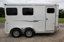 #77070 - Used 2015 Bee 2HSLBP 2 Horse Trailer  with 2' Short Wall