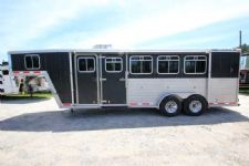 #46543 - Used 2001 Featherlite 4H Weekender LQ 4 Horse Trailer  with 4' Short Wall