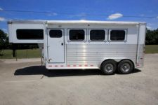 #A3037 - Used 2009 Sundowner 7304GN 3 Horse Trailer  with 4' Short Wall