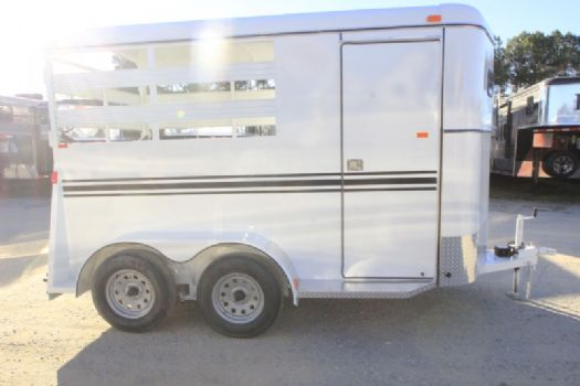#77453 - New 2017 Bee 2HBPSL 2 Horse Trailer  with 2' Short Wall
