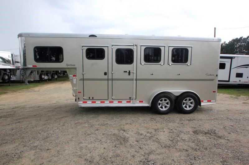 Sundowner Horse Trailers >> 3 Horse Sundowner Horse Trailer Gooseneck Horse Trailer