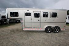 #B3385 - New 2016 Sundowner Sportman 3HGN 3 Horse Trailer  with 4' Short Wall