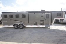 #06673 - New 2017 Bison Trail Boss 7408SO 4 Horse Trailer  with 8' Short Wall