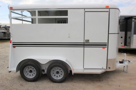 #77395 - New 2017 Bee 2HBPSLDLX 2 Horse Trailer  with 2' Short Wall