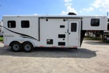 #06715 - New 2017 Bison Trail Hand 7206LQ S 2 Horse Trailer  with 6' Short Wall