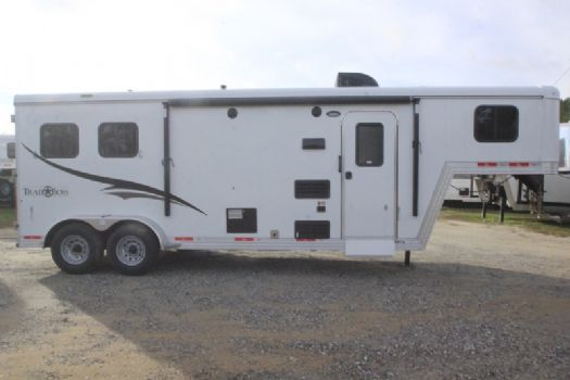 #06717 - New 2017 Bison Trail Boss 7208 2 Horse Trailer  with 8' Short Wall