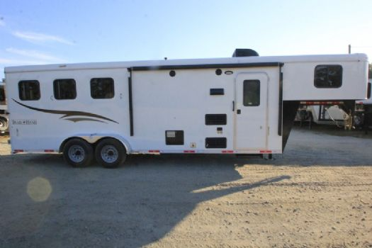 #06719 - New 2017 Bison Trail Hand 7308LQ 3 Horse Trailer  with 8' Short Wall