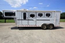 #C6253 - Used 2005 Sundowner 7304 GN 3 Horse Trailer  with 4' Short Wall
