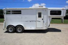 #77910 - Used 2008 Bee Dixie Tuff 7204LQ 2 Horse Trailer  with 4' Short Wall
