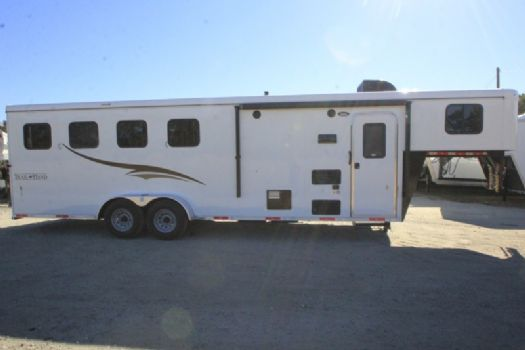 #06747 - New 2017 Bison Trail Hand 7406S 4 Horse Trailer  with 6' Short Wall
