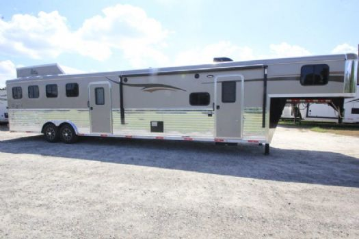 #06833 - New 2017 Bison Ranger 8414LSOBKMT 4 Horse Trailer  with 14' Short Wall