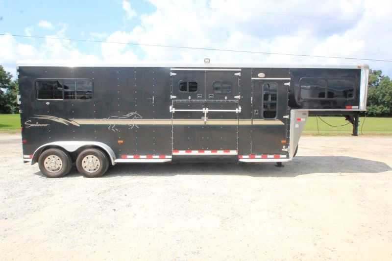 Used 2 Horse Sundowner Trailer Gooseneck
