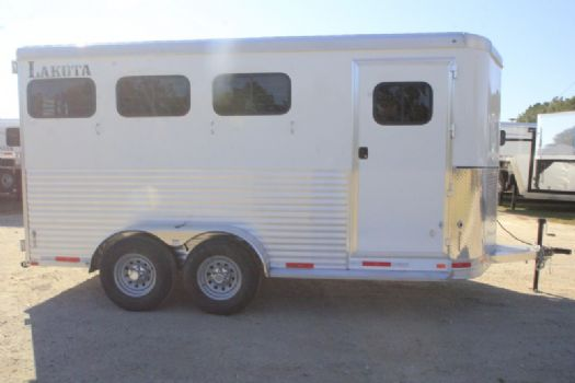 #00949 - New 2017 Lakota 3HBPSL 3 Horse Trailer  with 1' Short Wall