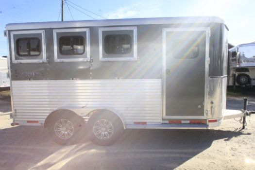 #00948 - New 2017 Lakota Lakota Charger 3HBPSL 3 Horse Trailer  with 2' Short Wall