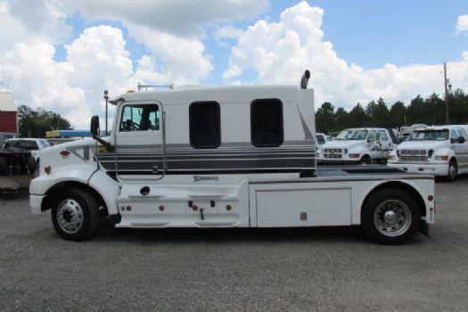 #94382 - Used 2000 Peterbilt 330 Truck