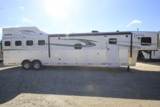 #00982 - New 2017 Lakota 8416SRGLQ Big Horn 4 Horse Trailer  with 16' Short Wall