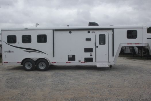 #06926 - New 2017 Bison Trail Boss 7308 3 Horse Trailer  with 8' Short Wall