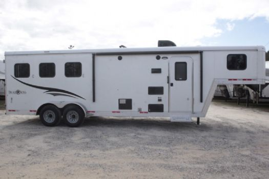 #06943 - New 2017 Bison Trail Boss 7308 3 Horse Trailer  with 8' Short Wall