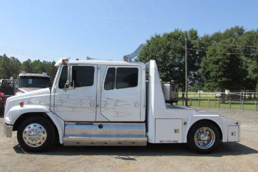 #05887 - Used 1997 Freightliner FL60 Truck