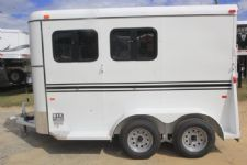 #77420 - New 2017 Bee 2HBPSLDLX 2 Horse Trailer  with 2' Short Wall
