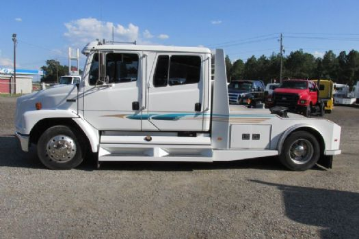 #60854 - Used 1999 Freightliner FL60 Truck