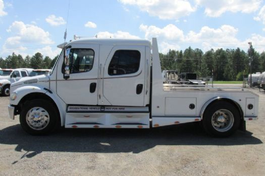 #56829 - Used 2005 Freightliner M2 106 Truck
