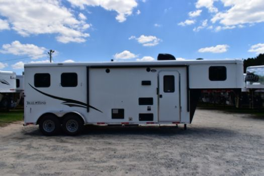 #06973 - New 2018 Bison Trail Hand 7208 2 Horse Trailer  with 8' Short Wall