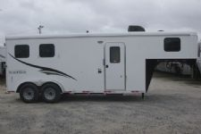 #07045 - New 2017 Bison Dixie Renegade 7206 2 Horse Trailer  with 6' Short Wall