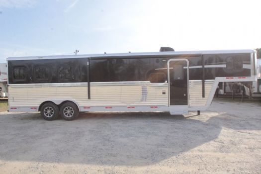#07206 - New 2017 Bison Laredo 8311GLQ 3 Horse Trailer  with 11' Short Wall