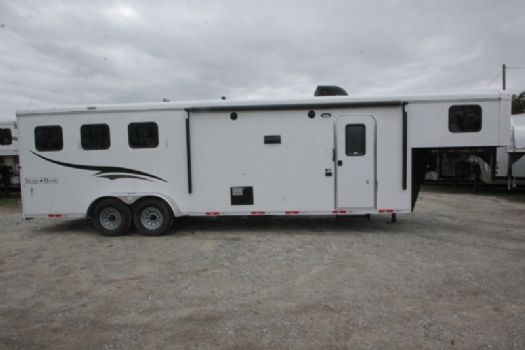 #07287 - New 2017 Bison Trail Hand 7310BD 3 Horse Trailer  with 10' Short Wall