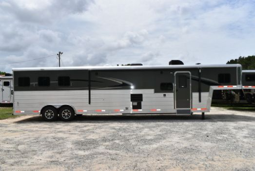 #07324 - New 2018 Bison Silverado 8316SS 3 Horse Trailer  with 16' Short Wall