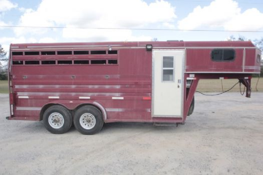 #00495 - Used 1995 Titan 7304 3 Horse Trailer  with 2' Short Wall