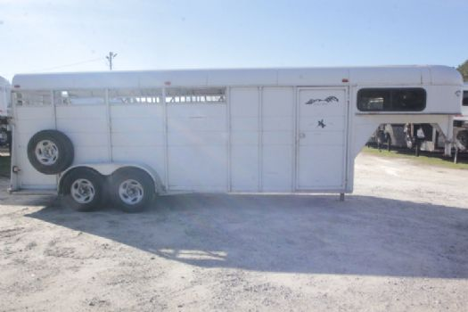 #80012 - Used 2008 Longhorn 7304GN 4 Horse Trailer  with 2' Short Wall