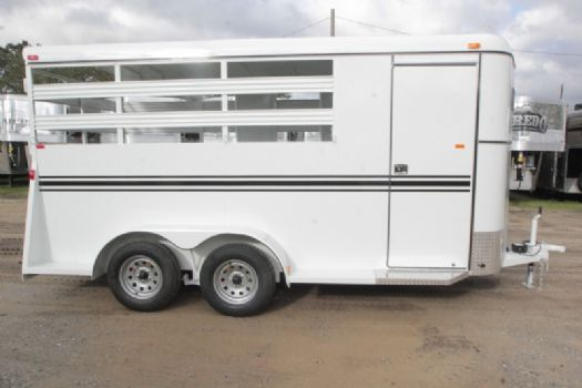 #77515 - New 2017 Bee 2HBPSLDLX 2 Horse Trailer  with 2' Short Wall